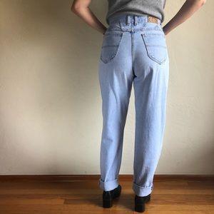06b7c38a Vintage Jeans - [vintage] light wash high waist mom jeans